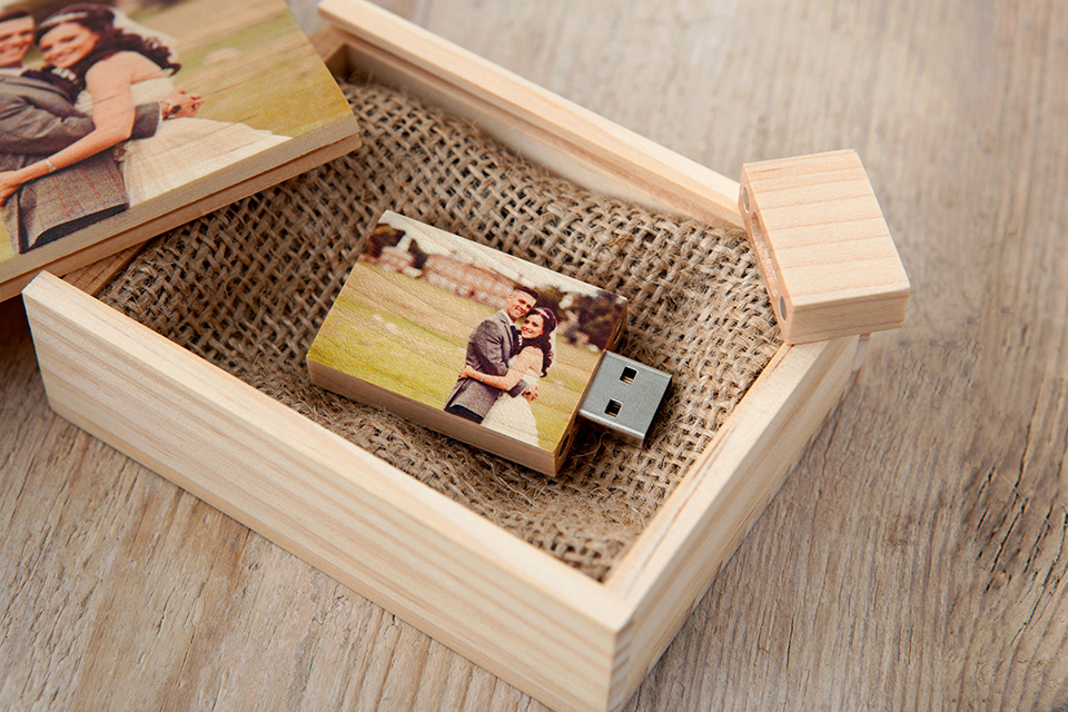 wooden usb box loxley colour. Black Bedroom Furniture Sets. Home Design Ideas